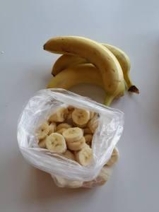 bananas cut 1